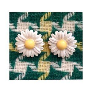Vintage Style Daisy Earrings